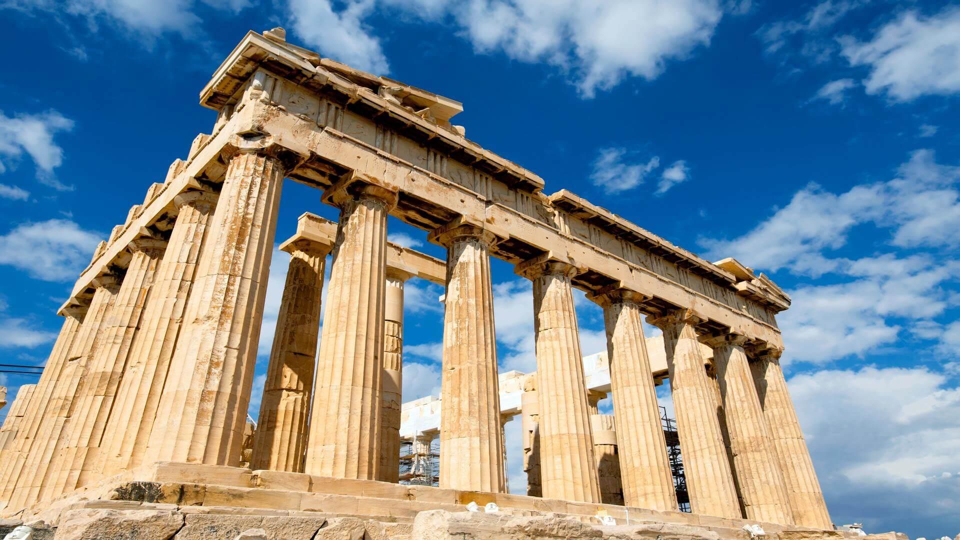 Ο Παρθενώνας είναι το μεγαλύτερο οικοδόμημα της Ακρόπολης και συγκεντρώνει τον θαυμασμό