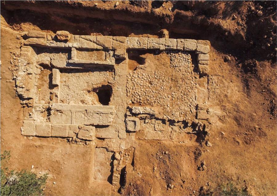 που χρονολογούνται από την αρχαιολογία